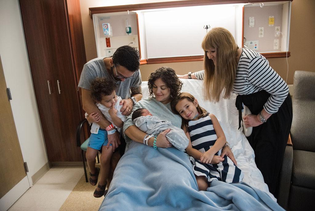 whole family with newborn-pensacola newborn photographer