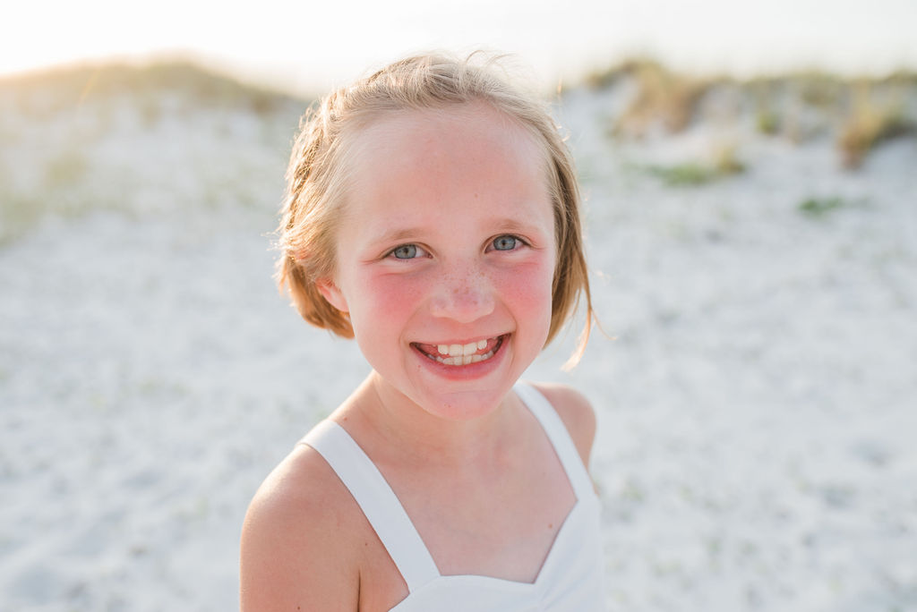 girl at beach-ann mangum photography-penacola family photographer