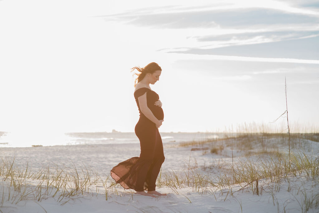 pregnant mom-Pensacola maternity photographer-Ann Mangum Photography
