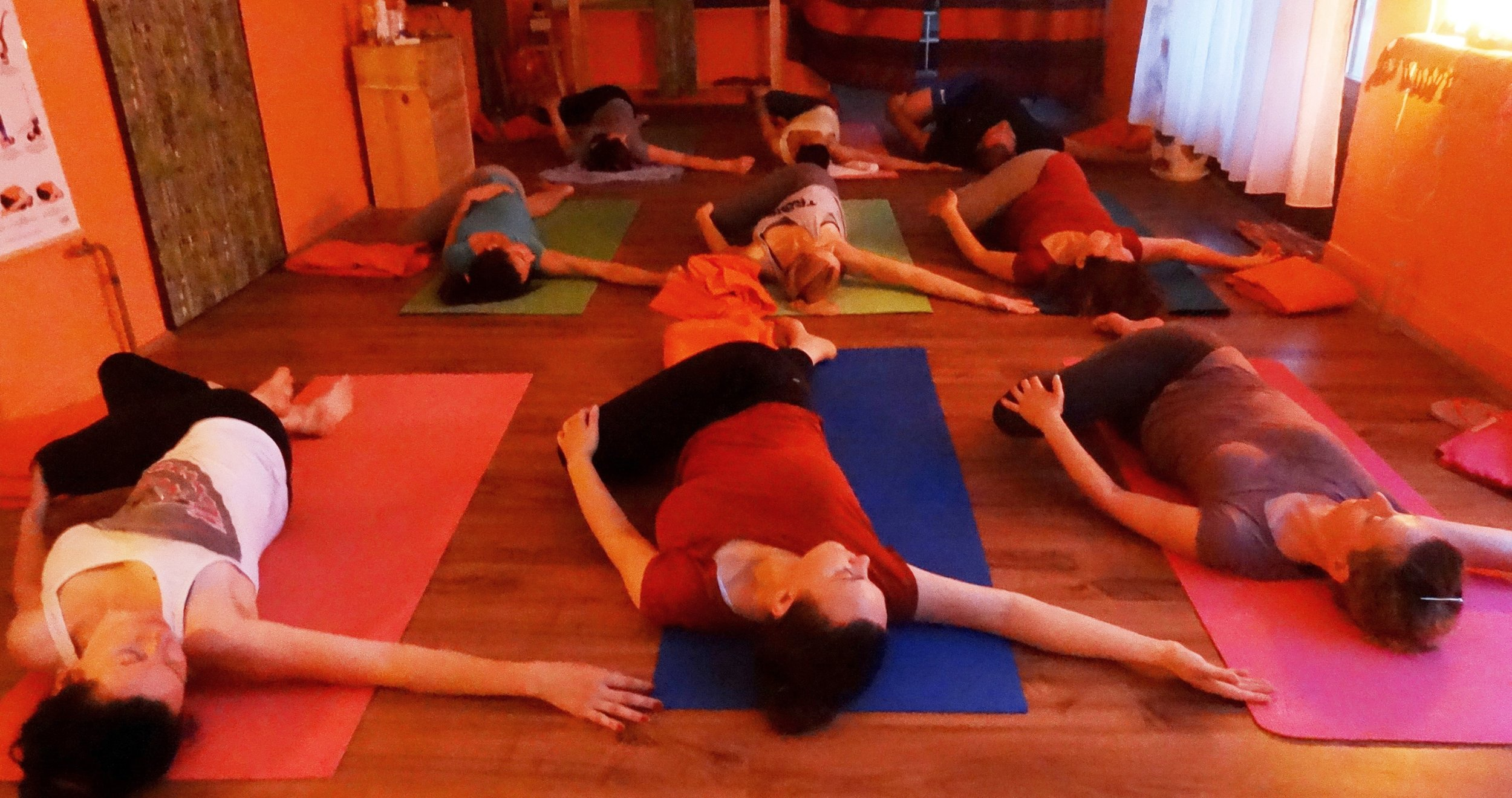 Yoga with Devi Mohan, Datta Tapovan - Jathara Parivartanasana, 2016.jpg