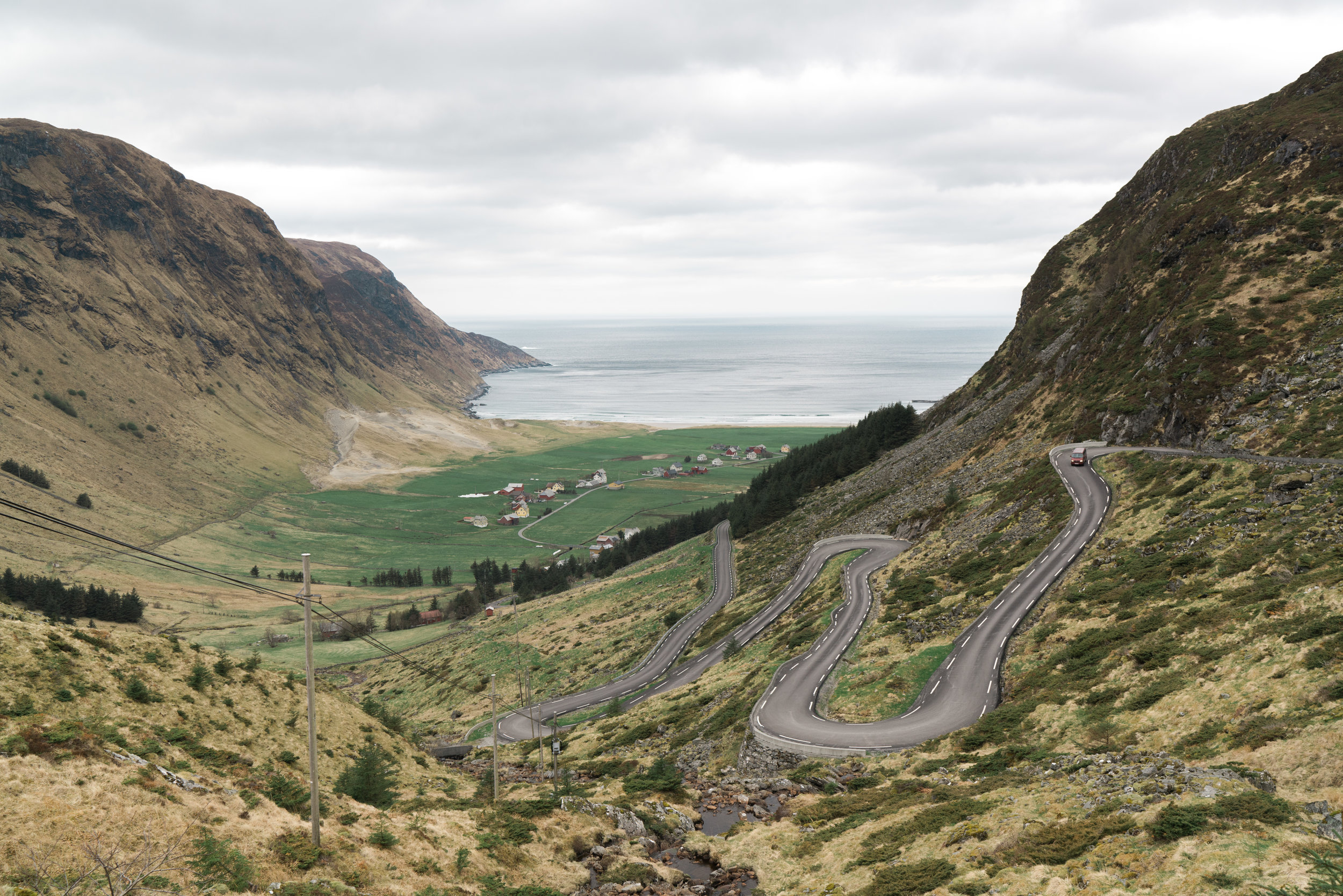 The winding road into Hoddevik. Epic!