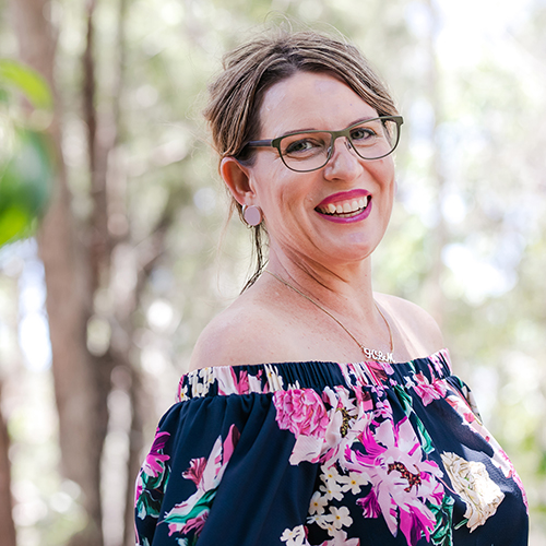 Kerrie Mace from Lasting Lippy for You, SeneGence.  Sunshine Coast wedding photographer, images by Lou O'Brien
