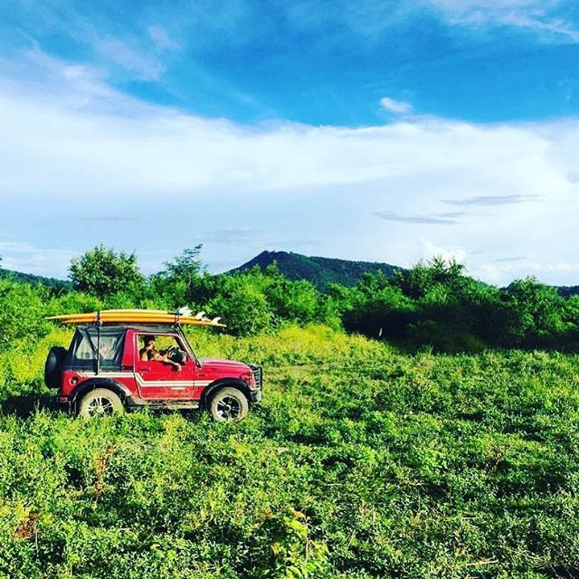 Off the beaten path is where you'll find uncrowded waves, fresh food and discover new places and new ways #Nicaragua #coconutsurf #surf #surfcamp #yogaretreat #sanjuandelsur #waves #suzuki #samurai #longboard #hang10 #jungle #offroad