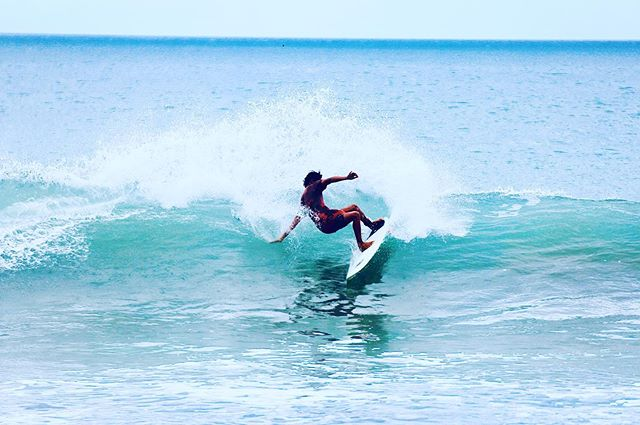 Offshore winds, consistent swells, warm water Nicaragua Surf season is in full effect.  Start planning your trip to 👉 coconutsurf.com #surf #nicaragua #sanjuandelsur #surfcamp #vacation #wave