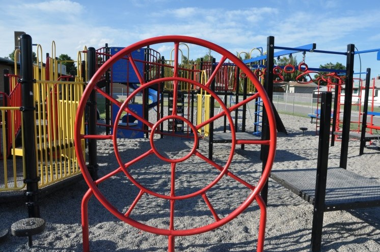 Fairview's Le Roi Daniels playground. Photo source: Calgary Playground Review)