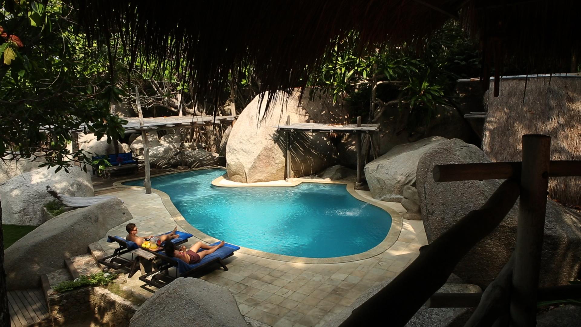 Pool 002.jpg
