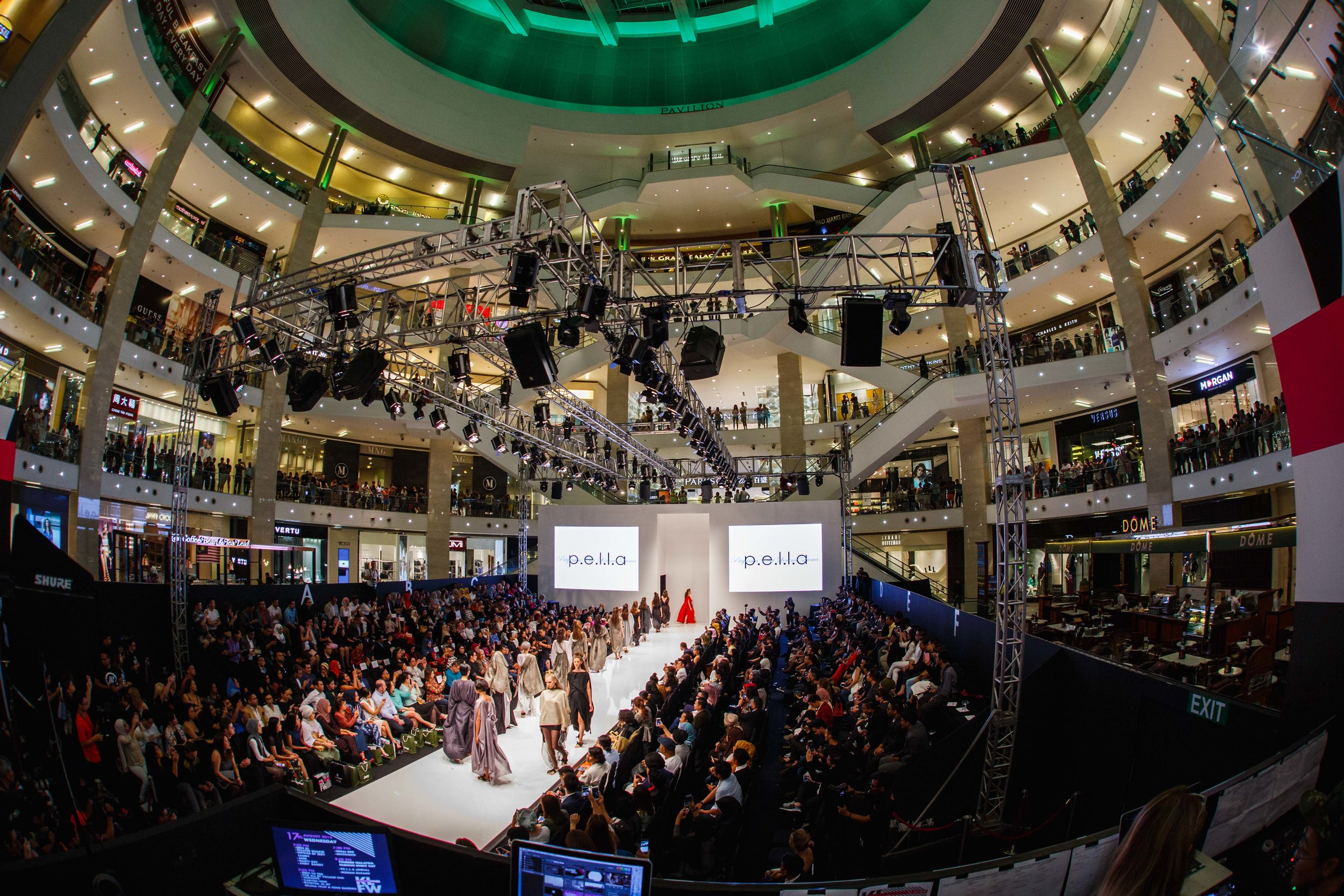 KLFW 2016 - Day 1  -  AIA_4530 - Photo by All Is Amazing.jpg