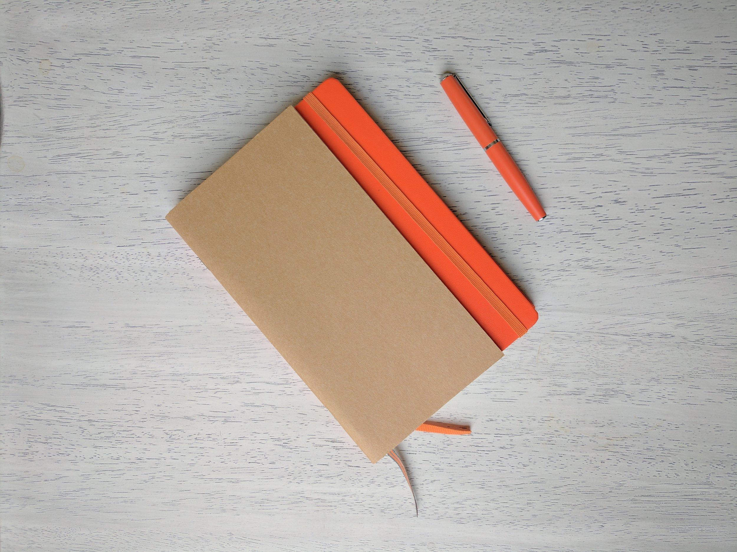 Midori Travelers Notebook Review Leuchtterm1917 Comparison 1.jpg