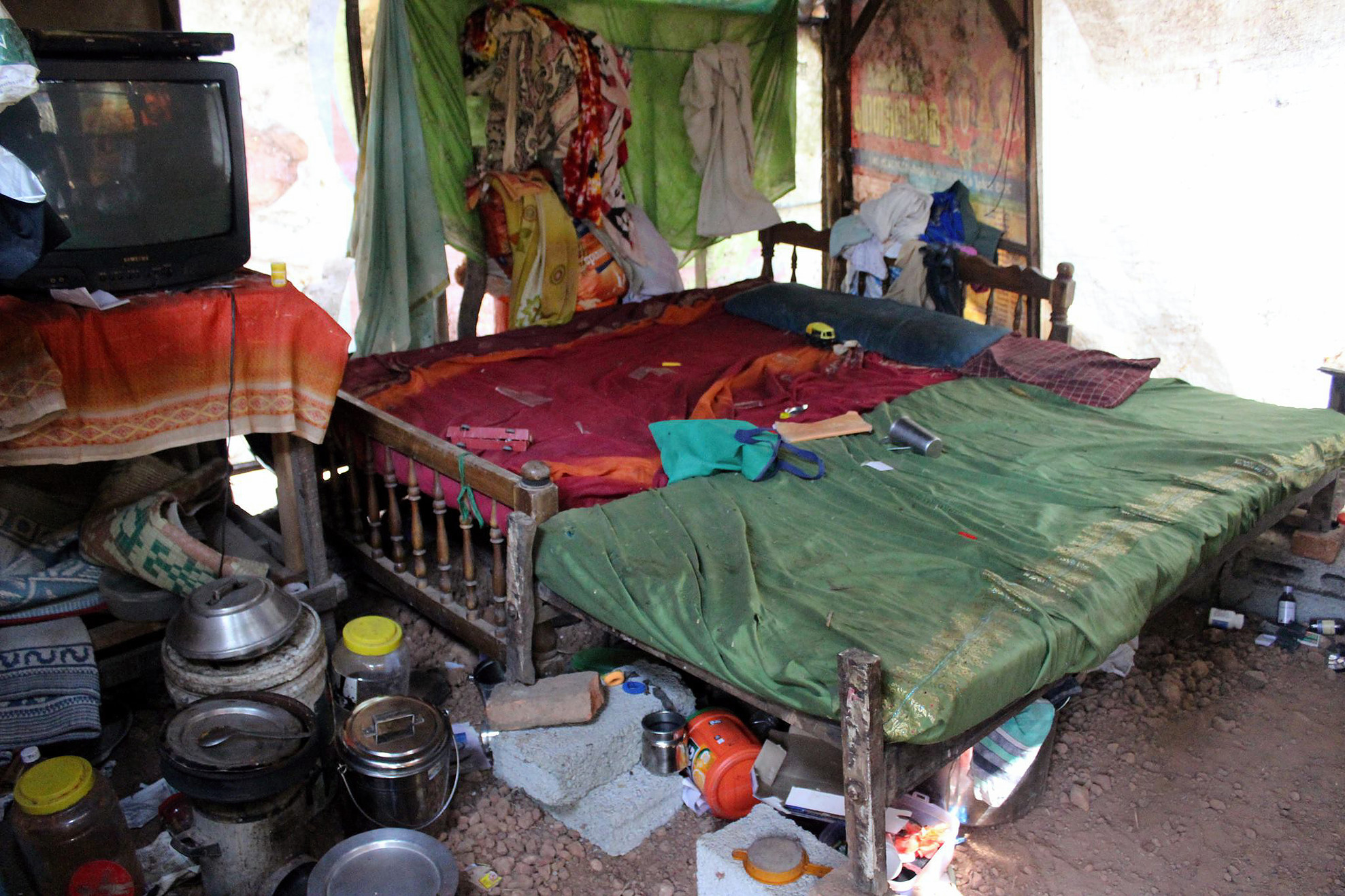 The basic conditions of many families who live below the Indian poverty line.
