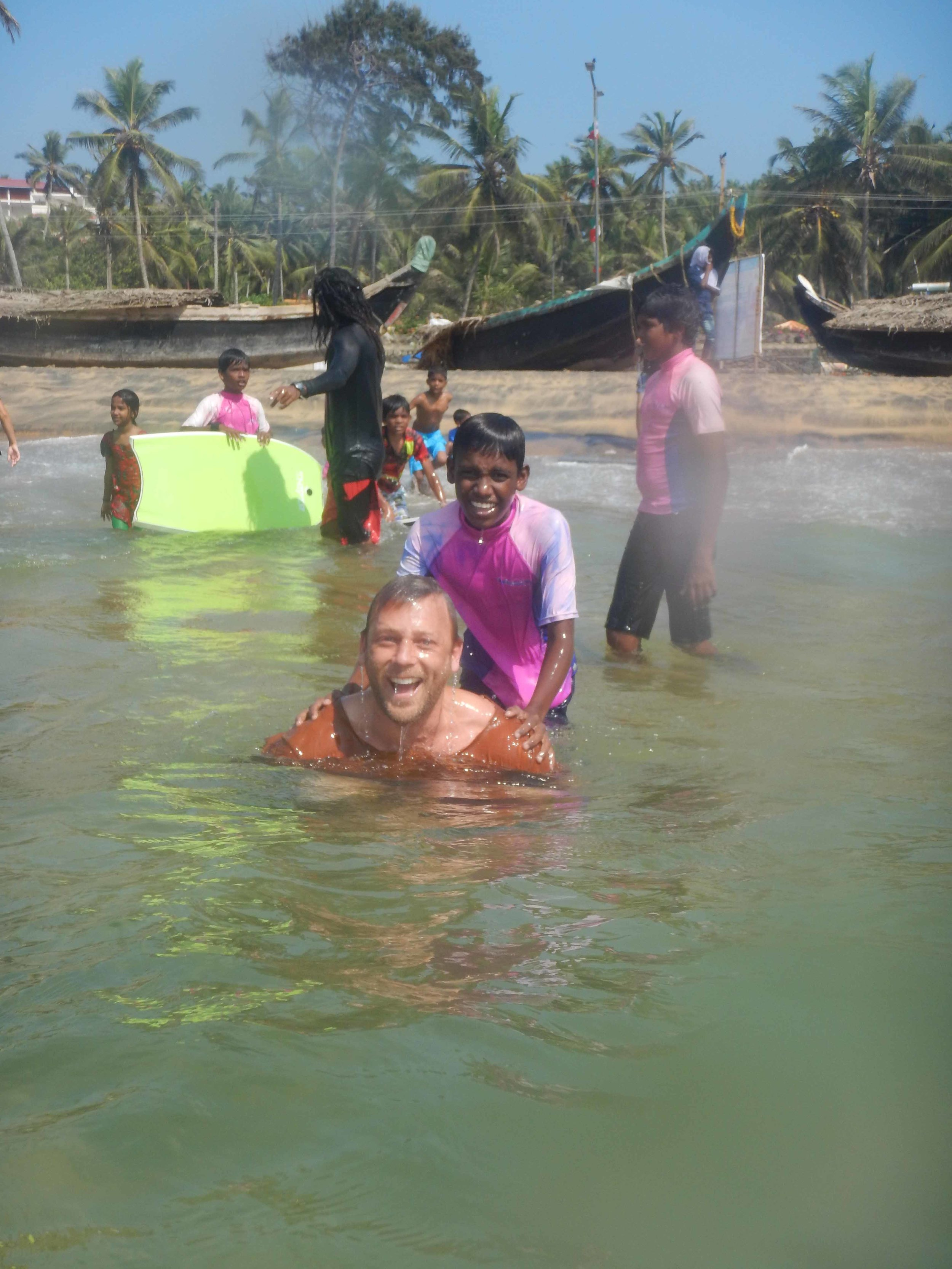 The Ambassadors playing around with the local kids from Vizhinjam and SISP.