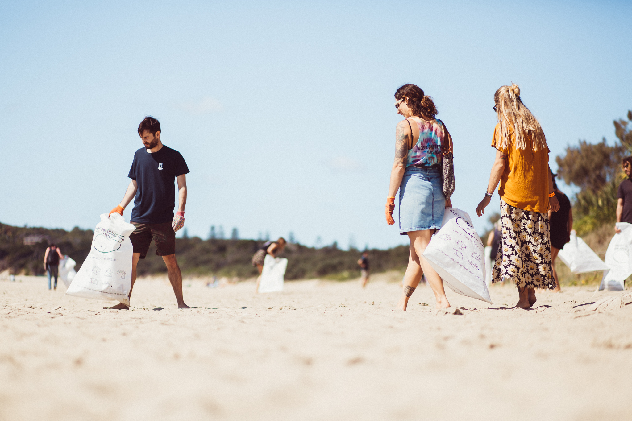 Byron Bay locals joined local non-profit and retail organisations to survey Main Beach, Byron Bay. Photography - Dane Scott Creative.