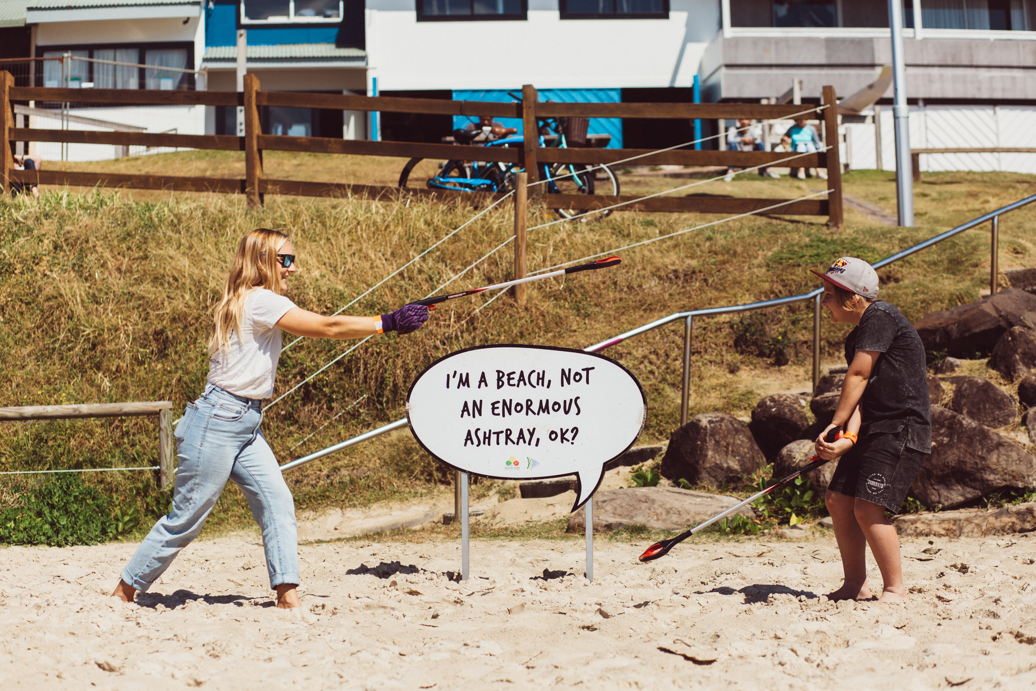 Byron Bay Co-ordinator Zoe White fighting it out with one of our local supporters. Photography - Dane Scott Creative.