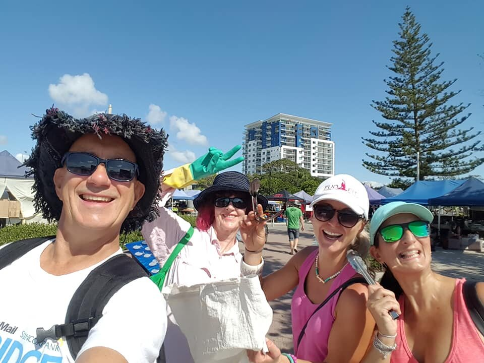 Les Barkla and friends from  Pristine Peninsula  Redcliffe doing their bit to reduce ocean pollution.
