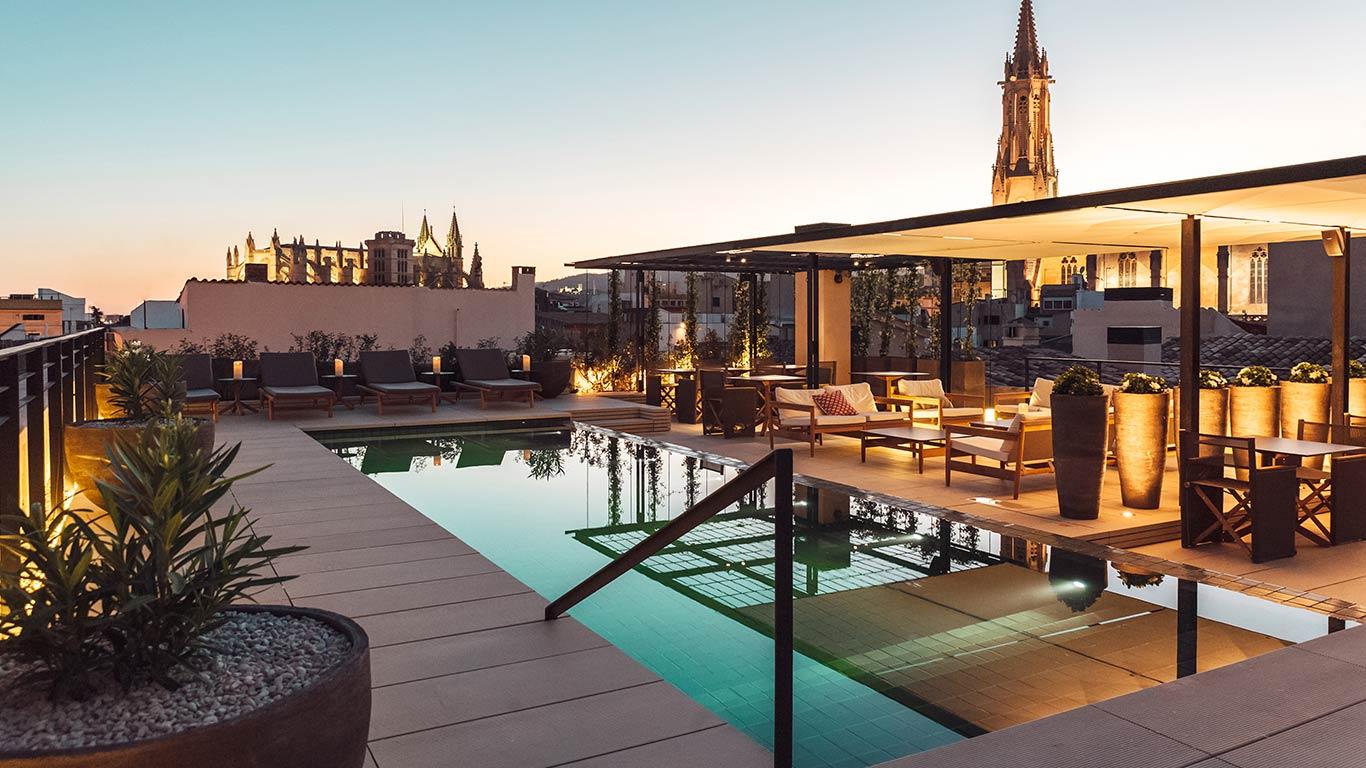 AELAND - hotel_terraza_piscina.jpg