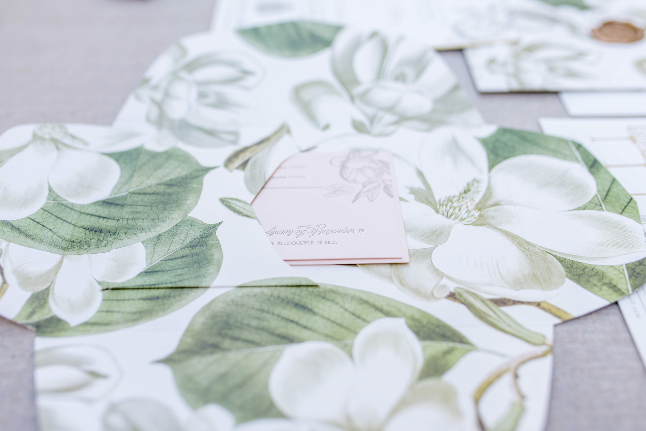 Magnolia Wrap ©TennHens