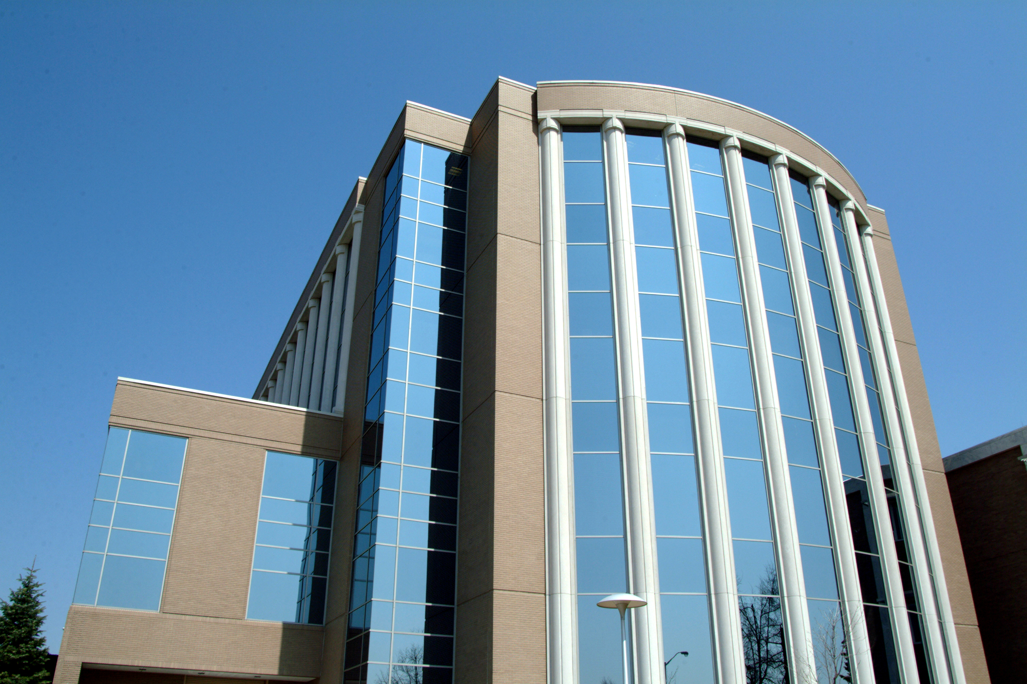 Oakland County Courthouse
