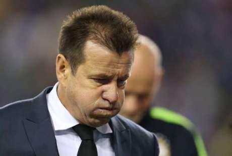 Dunga lamenta a eliminação do Brasil (Foto: Reprodução)