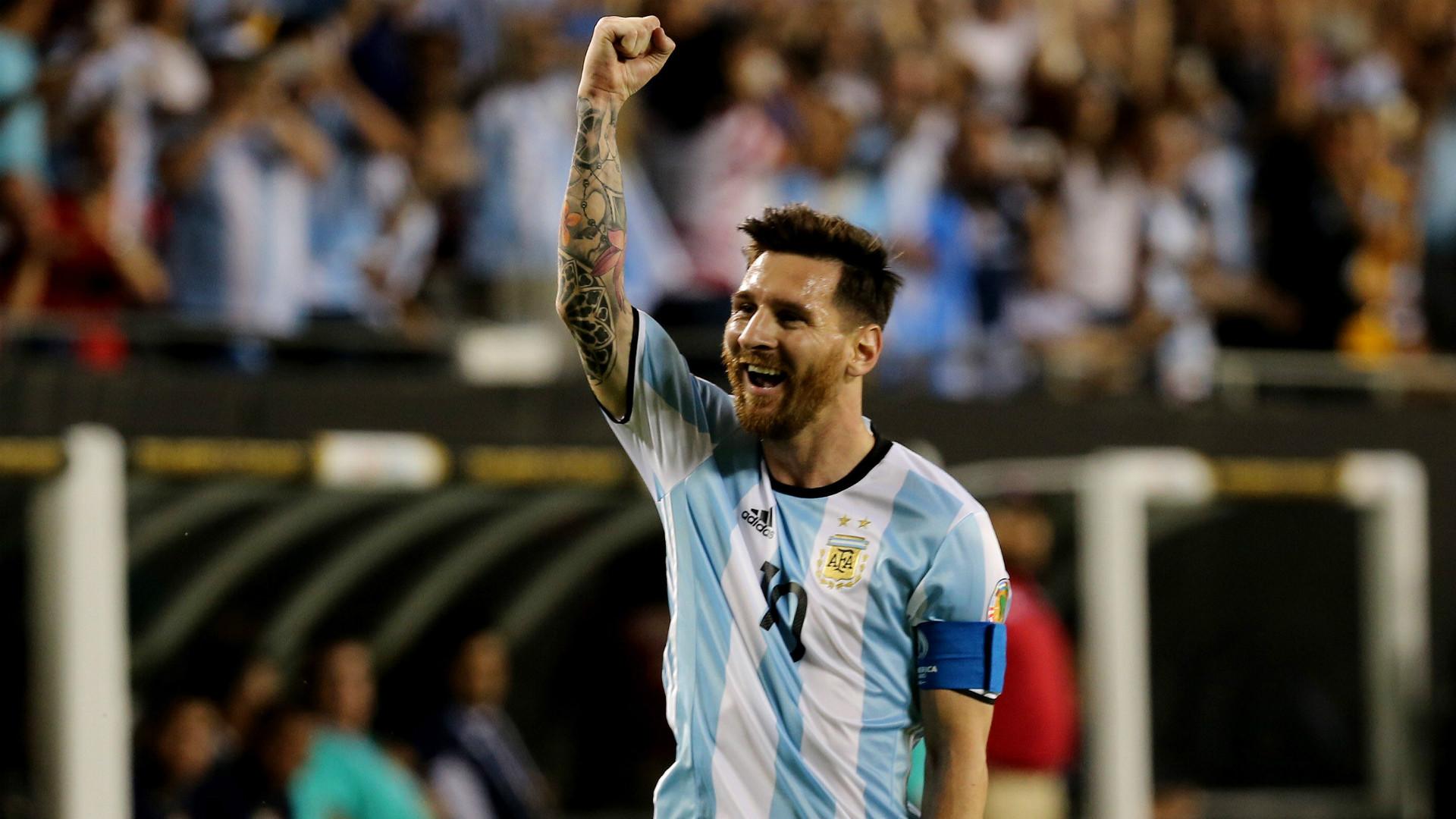 Messi comemora o golaço de falta (Foto: Reprodução)