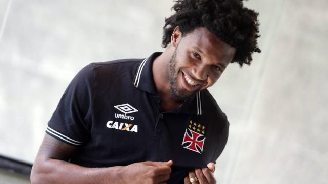 Rafael Vaz se transferiu, recentemente, do Vasco para o Flamengo