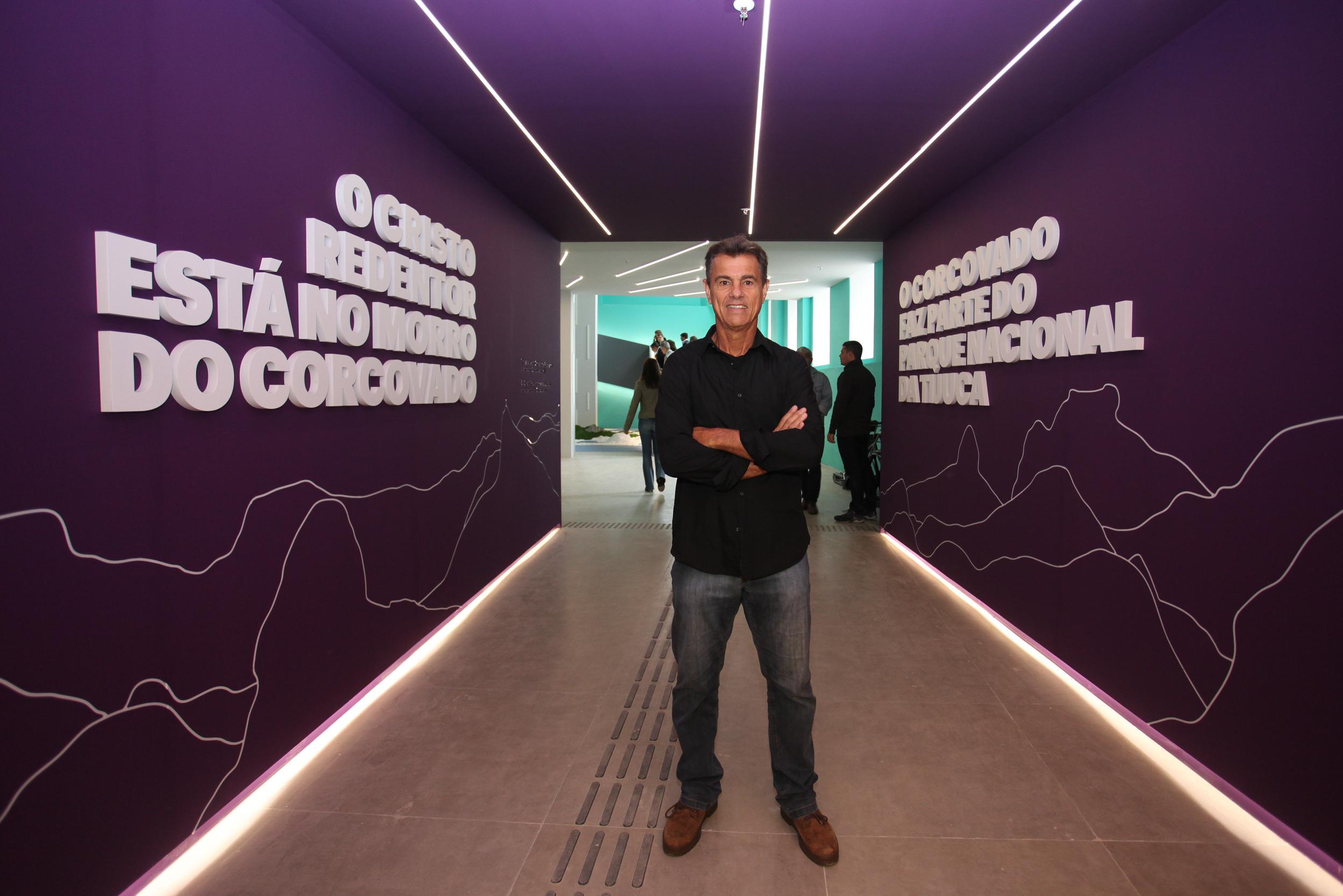 O ex-jogador Edinho marcou presença na apresentação do hotel para os jornalistas