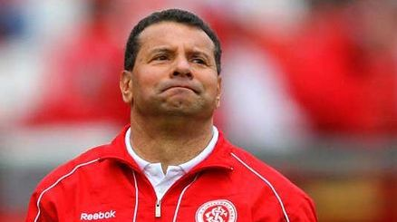 Celso Roth foi anunciado como novo treinador do Internacional