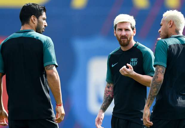 Messi e Neymar de cabelos pintados