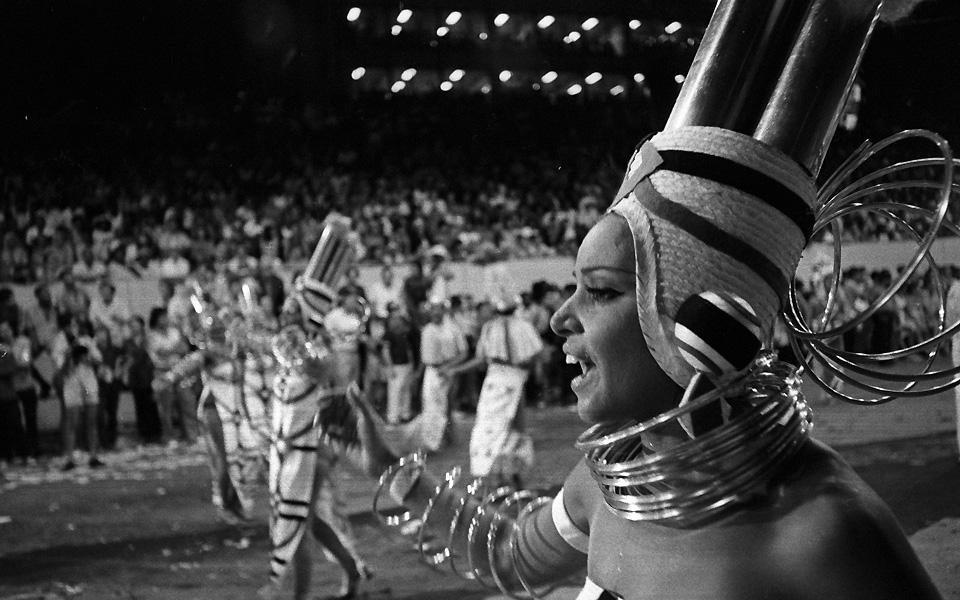 Desfile do Salgueiro em 1971 (Foto: acervo O Globo)