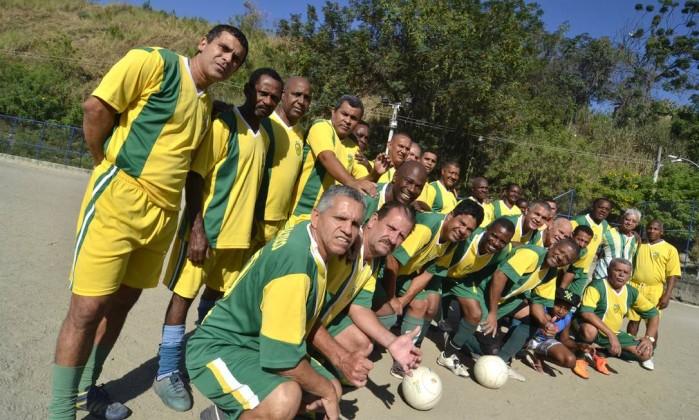 Os jogadores do time de máster e veteranos
