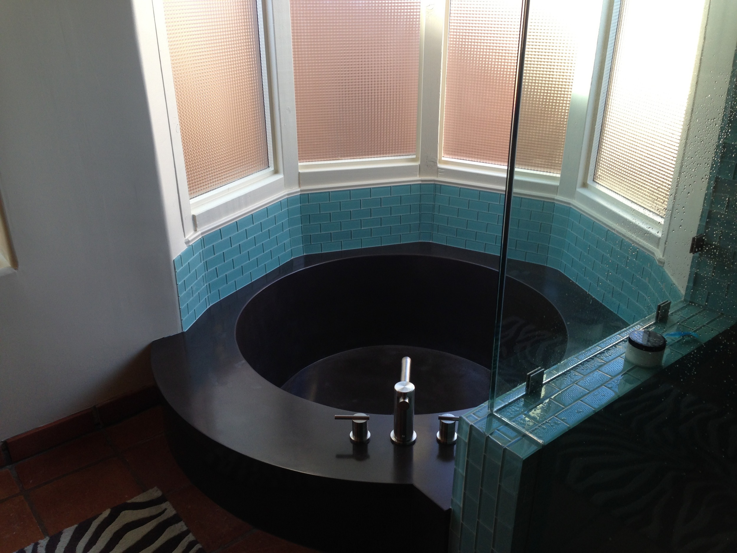 concrete tub, tub, concrete, custom, scottsdale, phoenix, Arizona, chandler, black tub