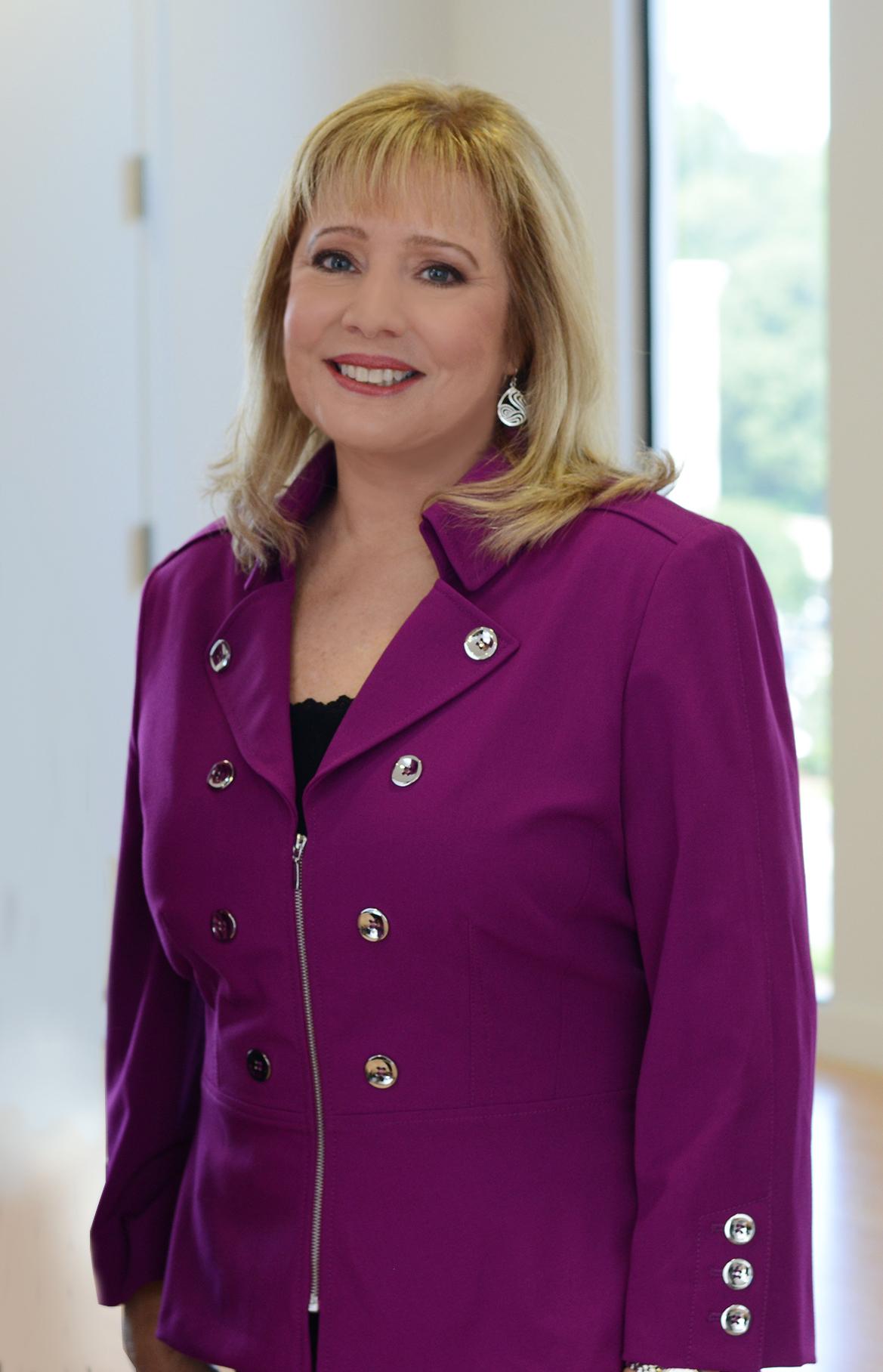Linda Bass_LinkedIn Specialist