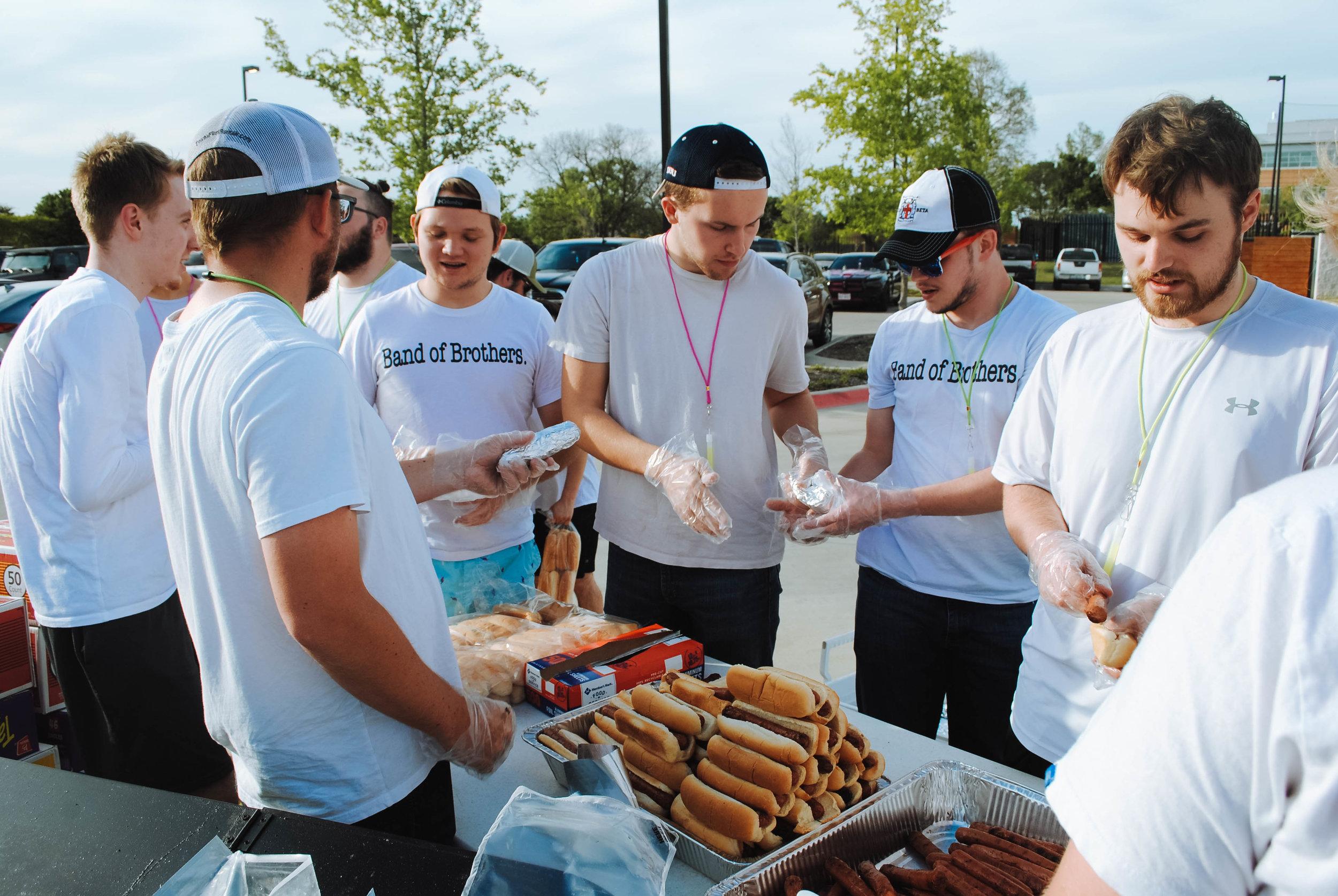 Volunteers from Dallas Baptist University