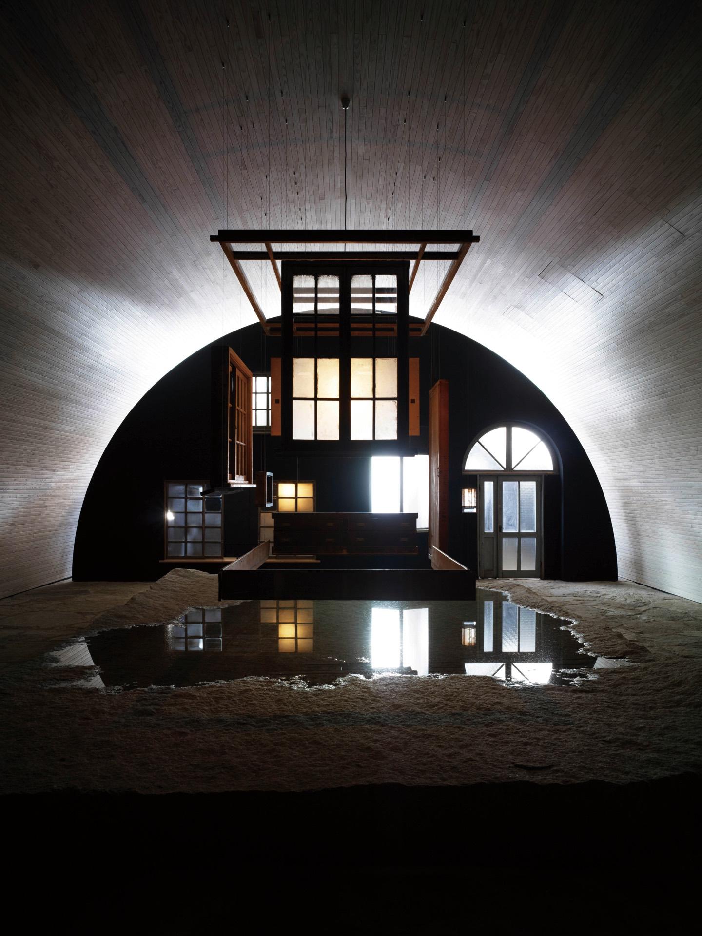 Inujima oval room.jpg