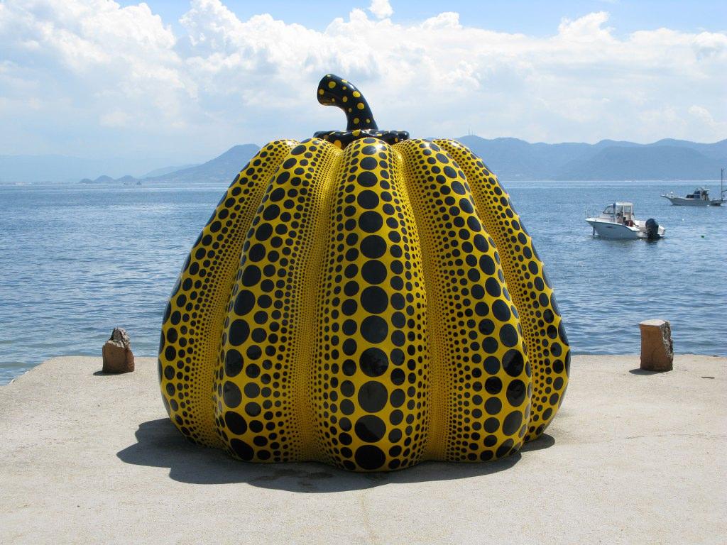 Kusama pumpkin Benesse.jpg
