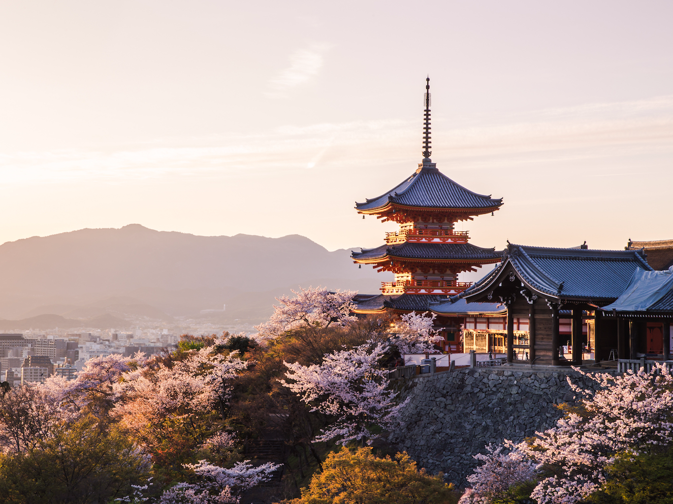 19-photos-that-show-why-kyoto-and-tokyo-were-voted-the-best-cities-in-the-world.png