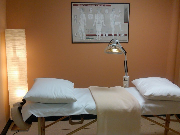 Relaxing and healing acupuncture treatments