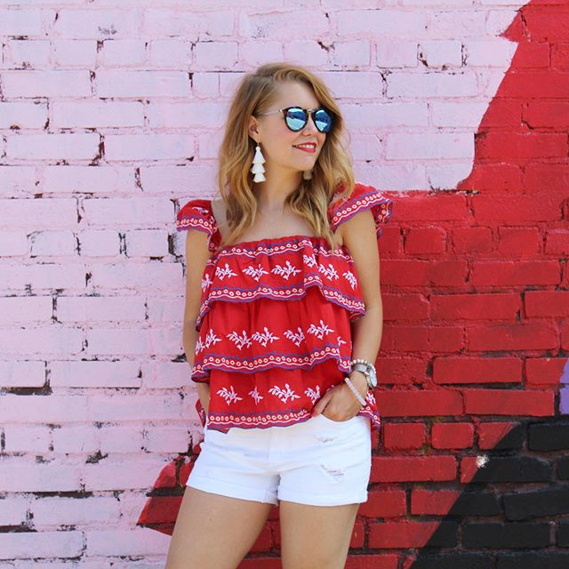 Last minute Fourth of July outfit inspo right here! 🎇❣️🎆 Follow me in the @liketoknow.it app for even more inspo. http://liketk.it/2D3yK #liketkit #trustyourcloset #feelingfestive #walltraveled #kcblogger