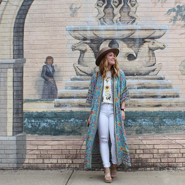 This kimono/duster is $25 and you probably need it. ☀️🌸👒 @liketoknow.it app http://liketk.it/2C2uW #liketkit #trustyourcloset #springstyle #amazonfashion #patternplay #lackofcolor