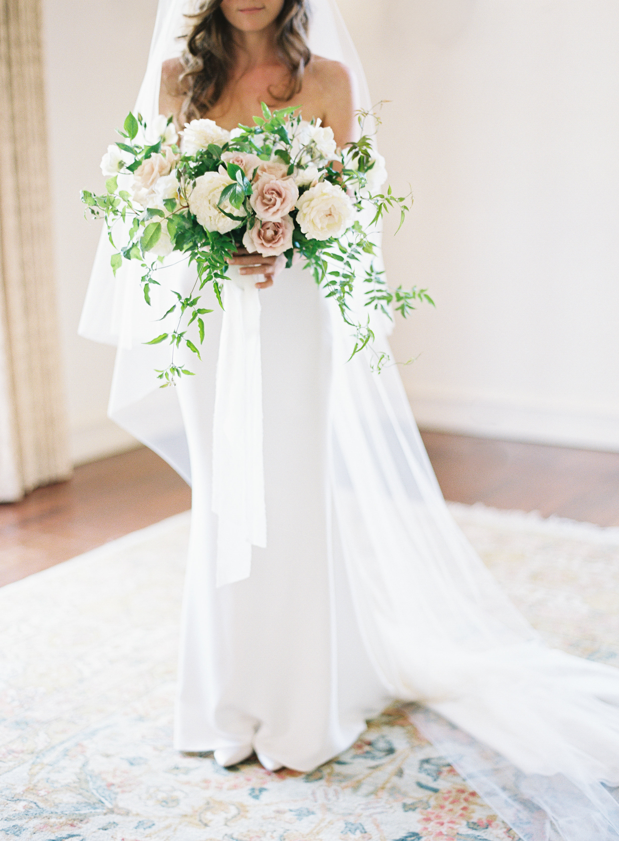 bridal bouquet with blush and ivory garden roses