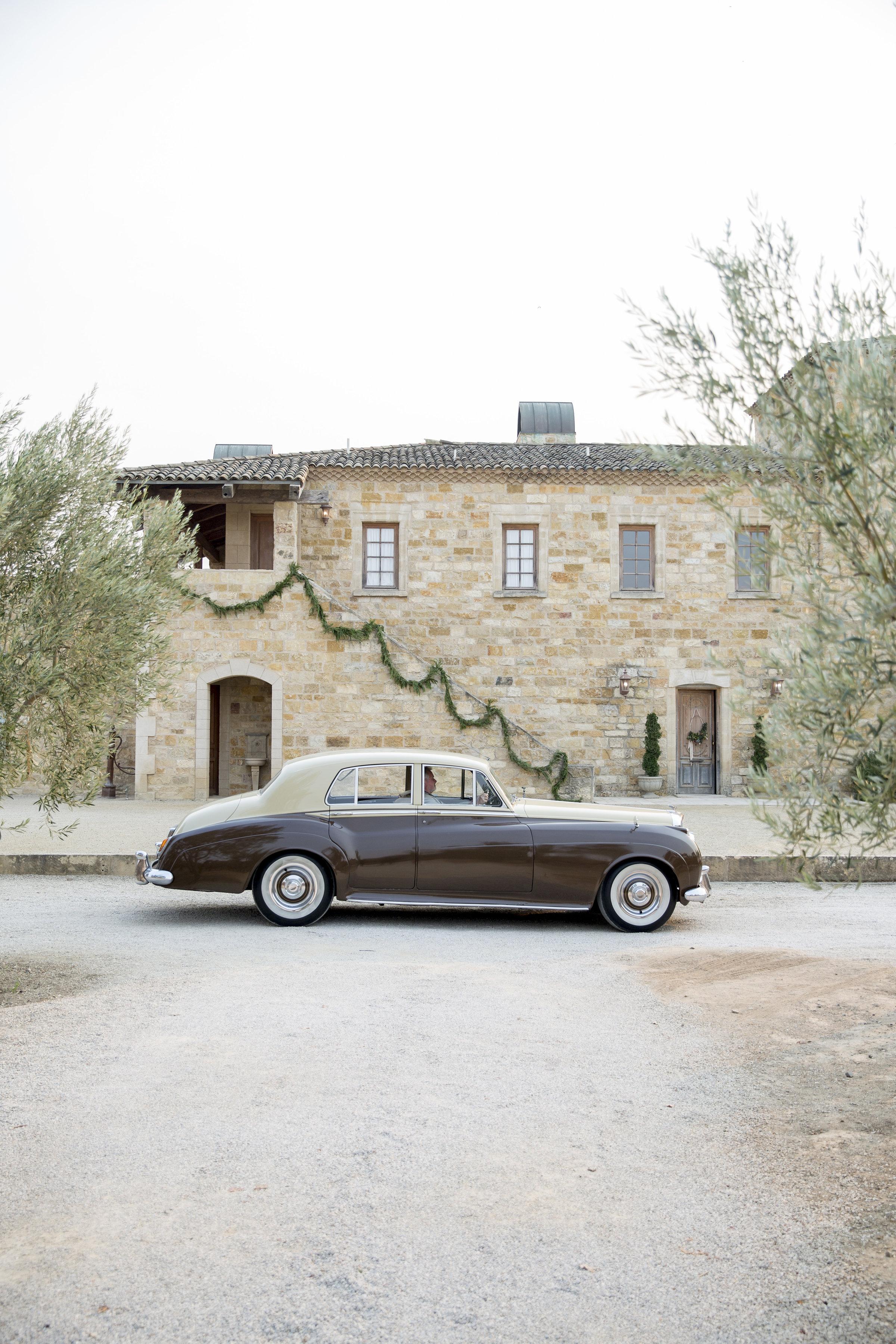 vintage car at Sunstone Vineyards