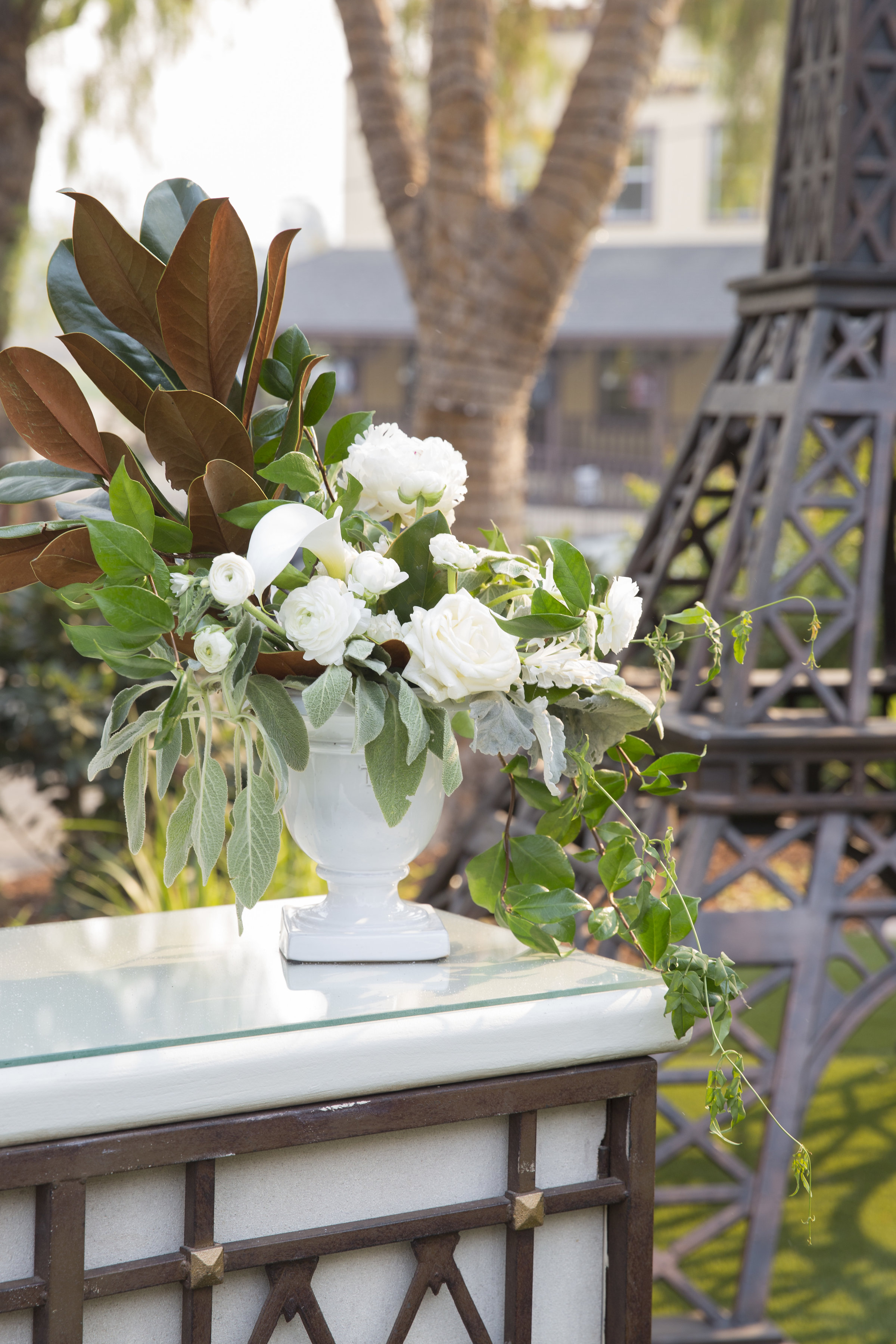 bar floral arrangement