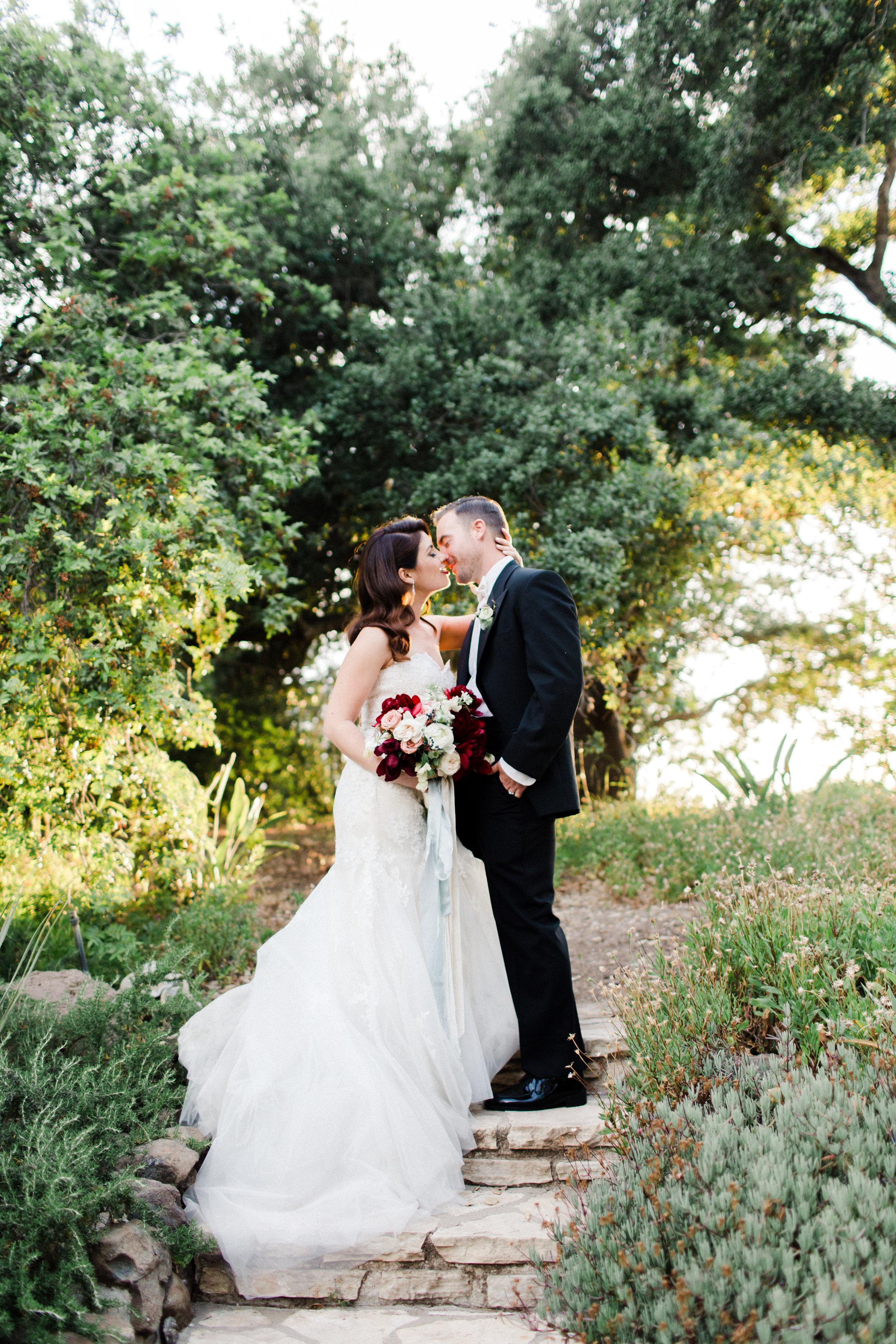 Quail Ranch bride and groom kiss