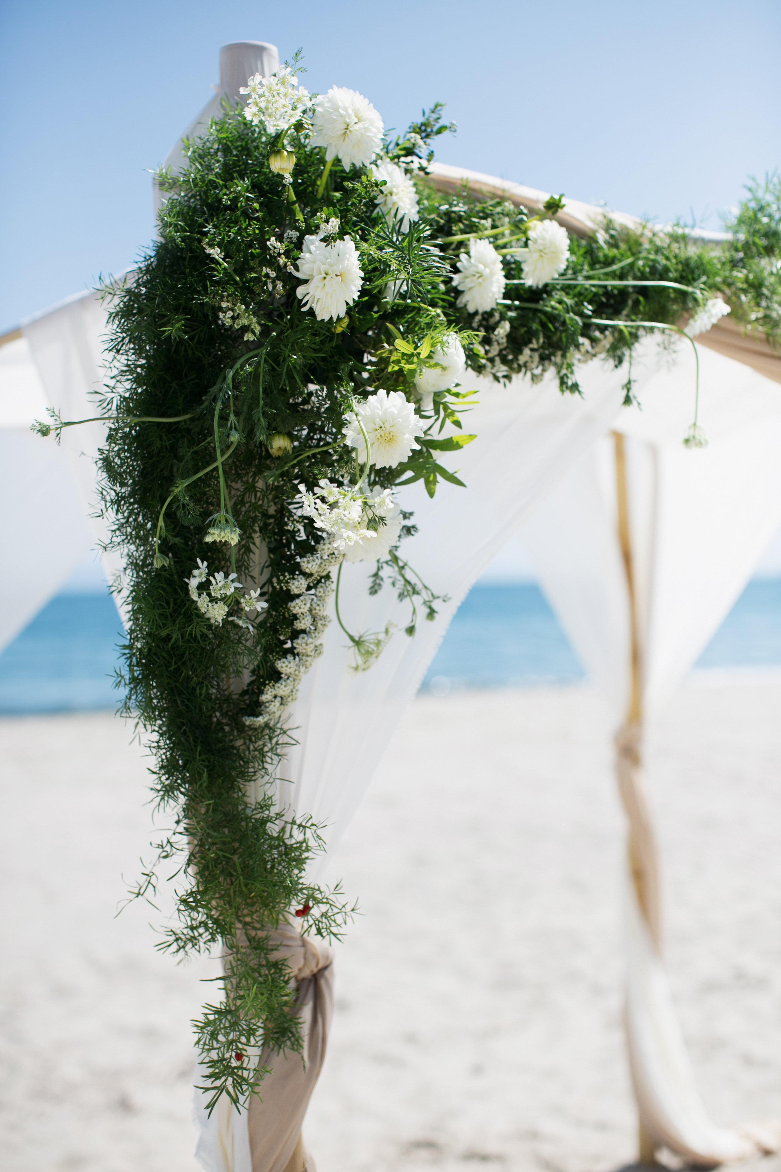 chuppah floral details