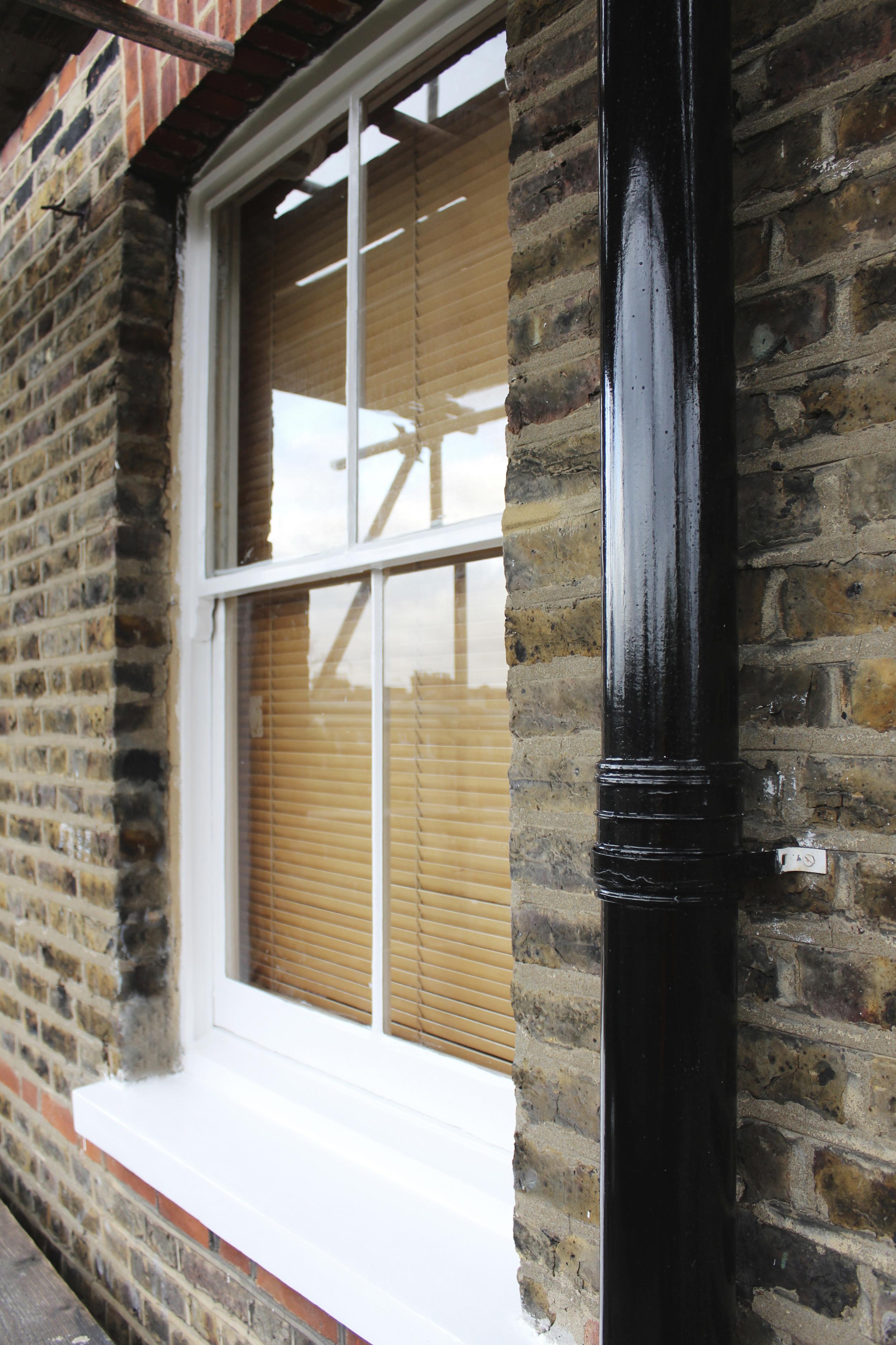 #NHRenovations #Painter #Decorator #London #TufnellPark #Exterior #Victorian #Sash #Windows #Black #Gloss #Dulux #ExteriorSatinwood