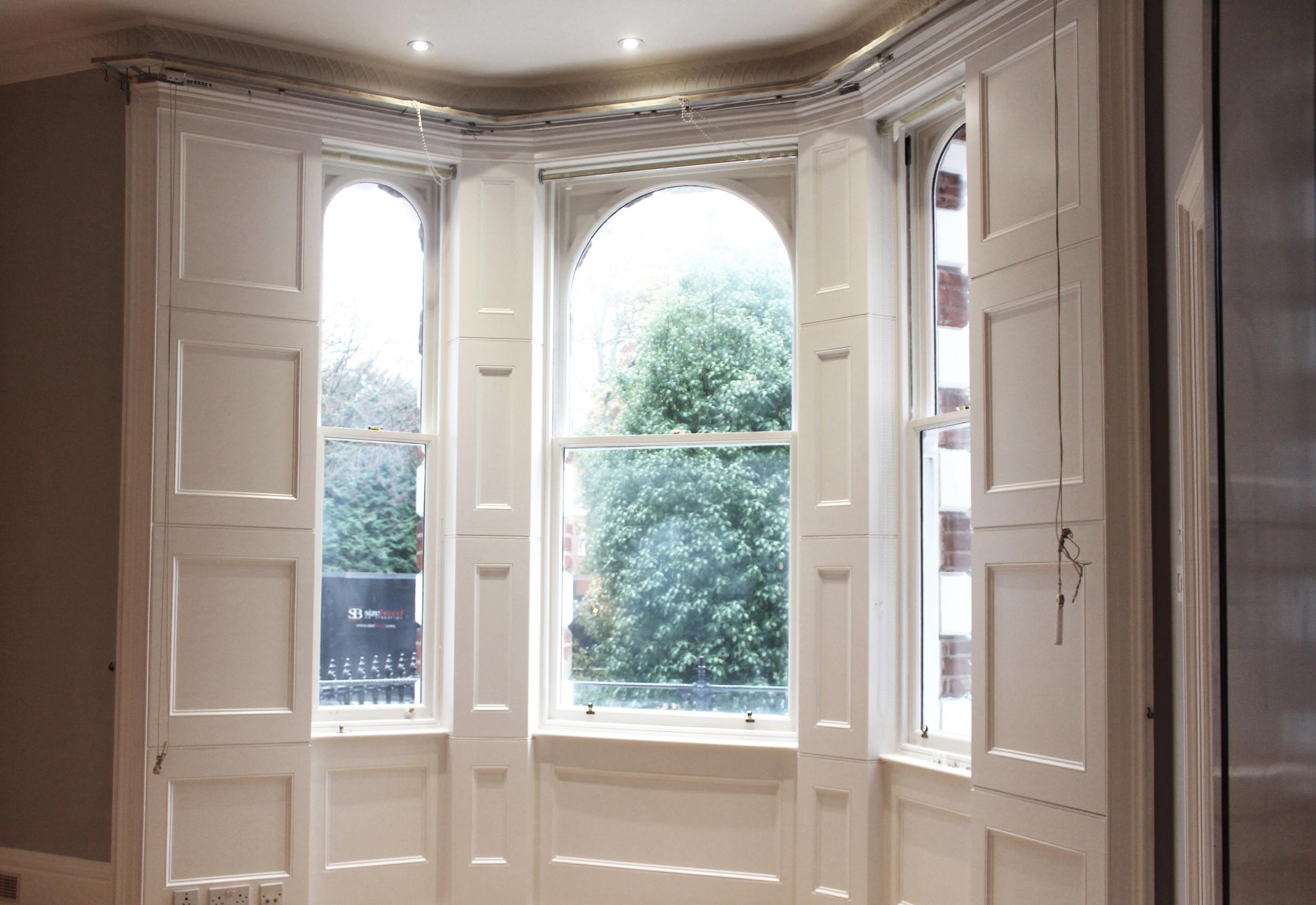 #NHRenovations #Painter #Decorator #London #Kensington #Knightsbridge #Windows #Farrowandball #Farrow #Allwhite #Woodwork #Windows #sashwindow #eggshell