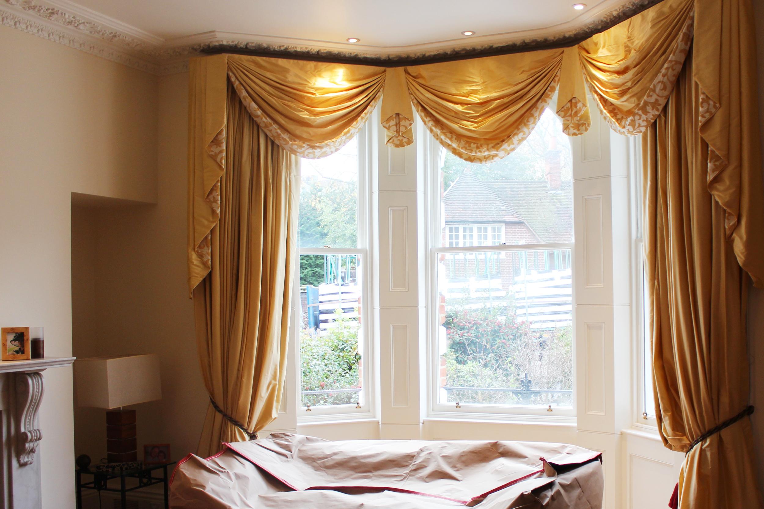 #NHRenovations #Painter #Decorator #London #Kensington #Knightsbridge #Windows #Farrowandball #Farrow #Allwhite #Ceilings #Woodwork #Tallow #Walls #eggshell