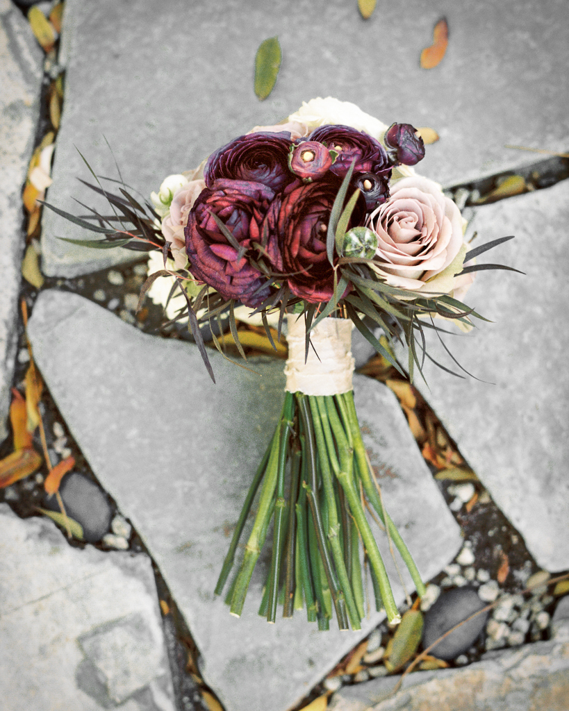 Blush Purple Simple Bouquet with feathers