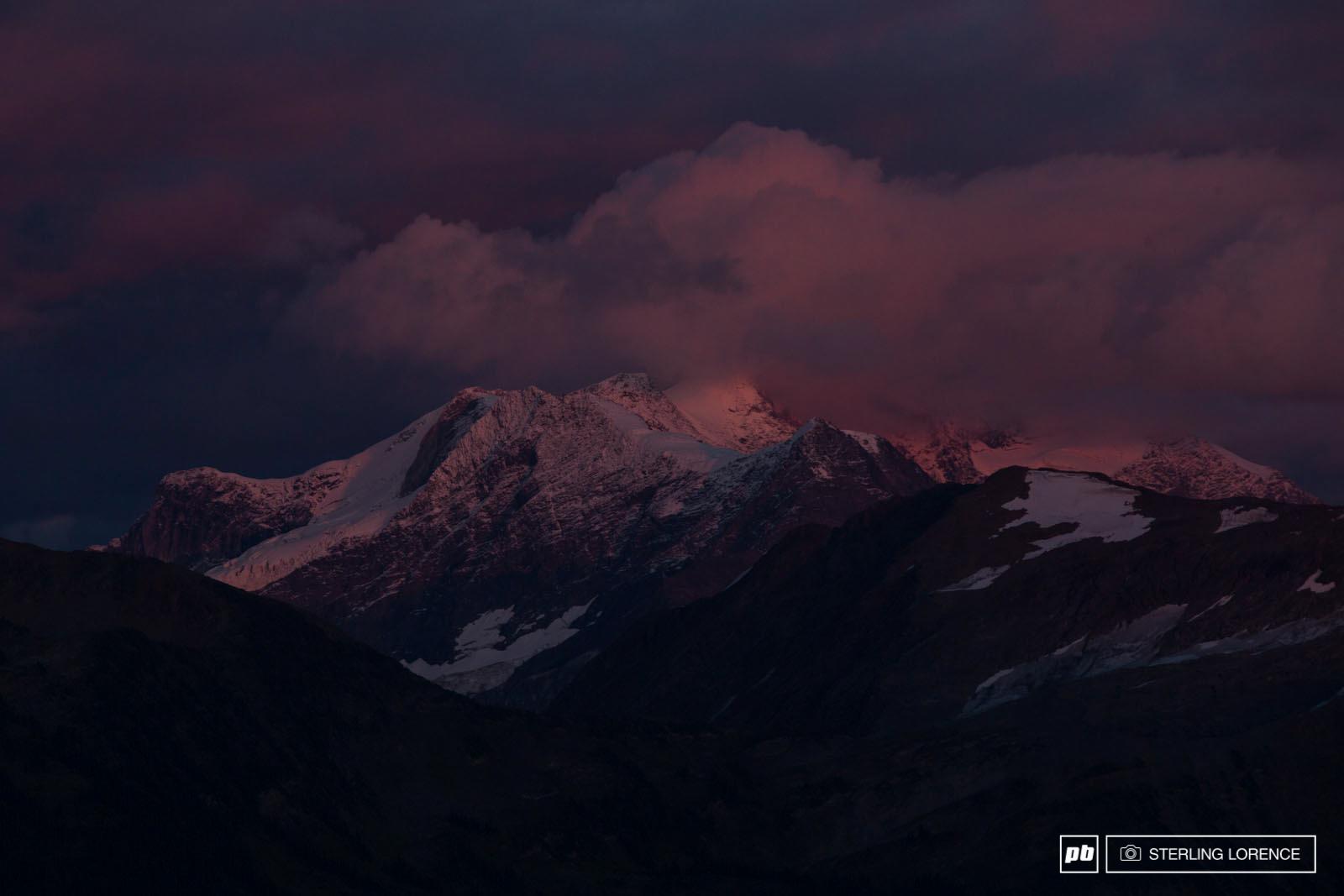 revelstoke-mountains.jpg