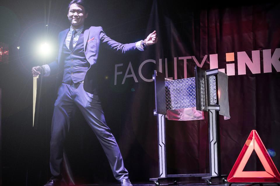International Magician International Entertainer