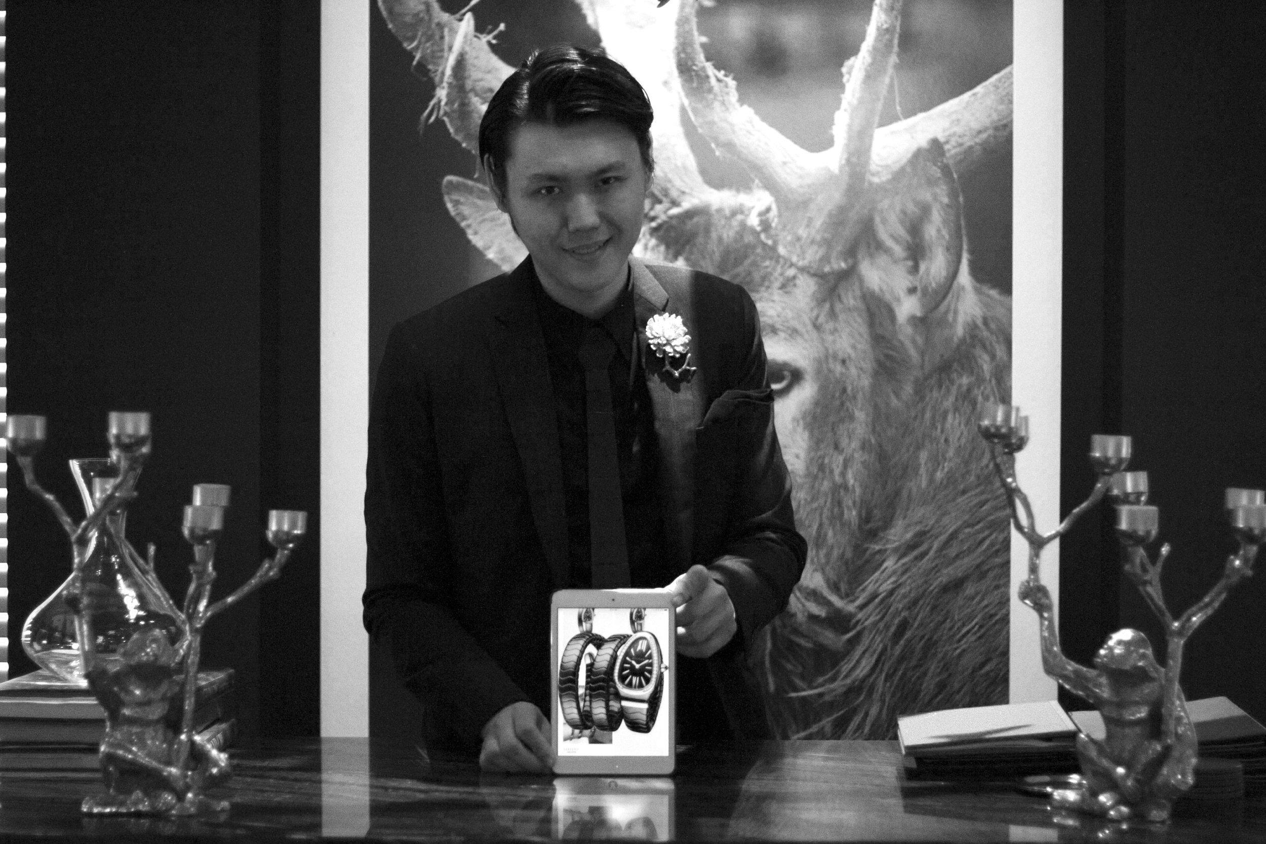 Alexander Yuen iPad magician luxury