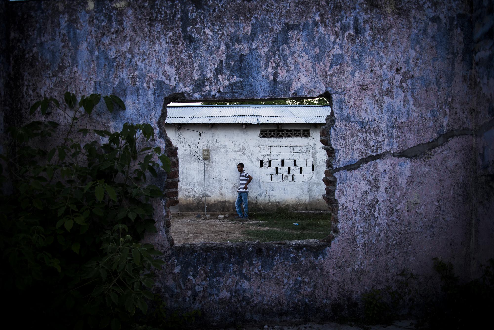 Bellavista no tiene habitantes sino sobrevivientes. Entre 1983 y 2011 sufrieron 8 ataques armados. Hoy son cerca de 332 personas y 98 familias retornadas tras 18 años de gritos compasivos, tiros de gracia y descuartizados en la acera.